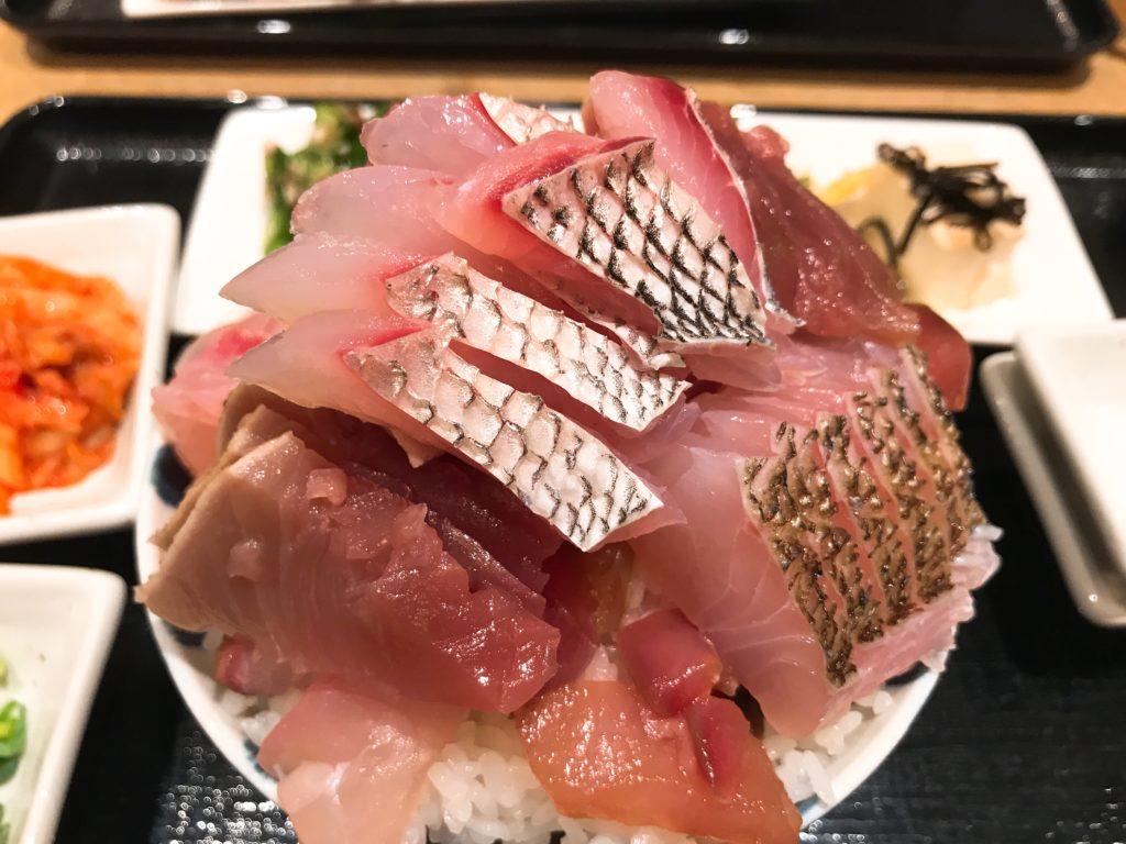 魚助食堂大盛り