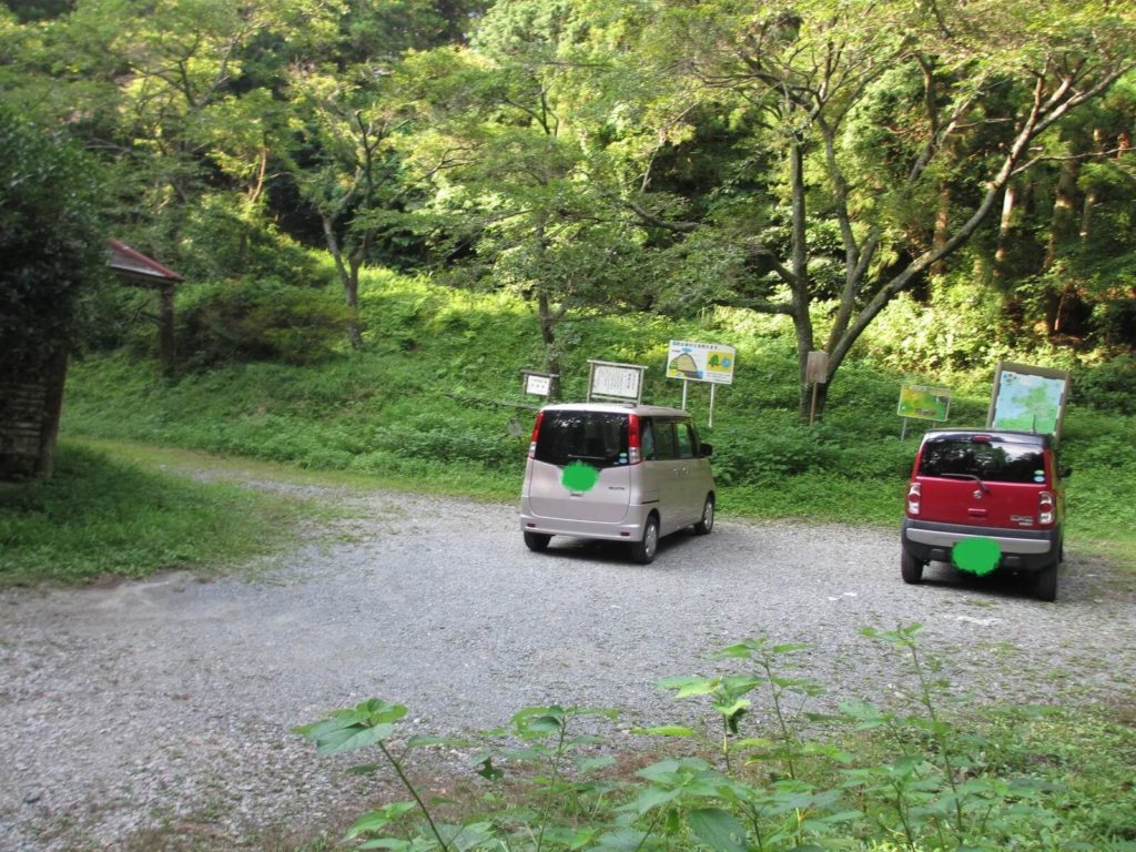 千寿院の滝の駐車場
